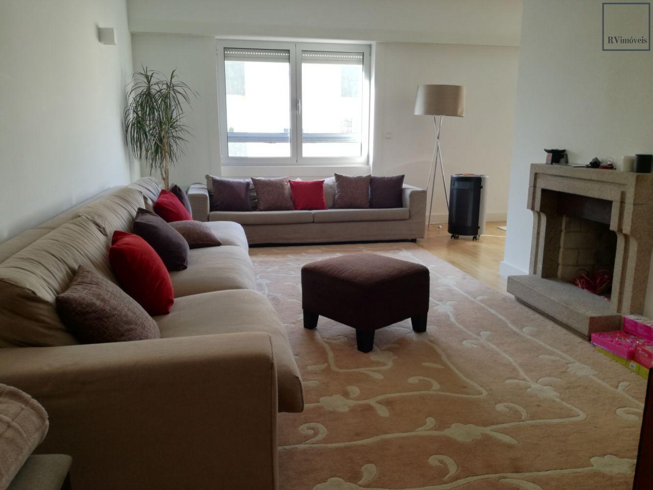 Venda Apartamento T4+1